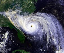 220px-Hurricane_Hugo_1989_sept_21_1844Z.jpg